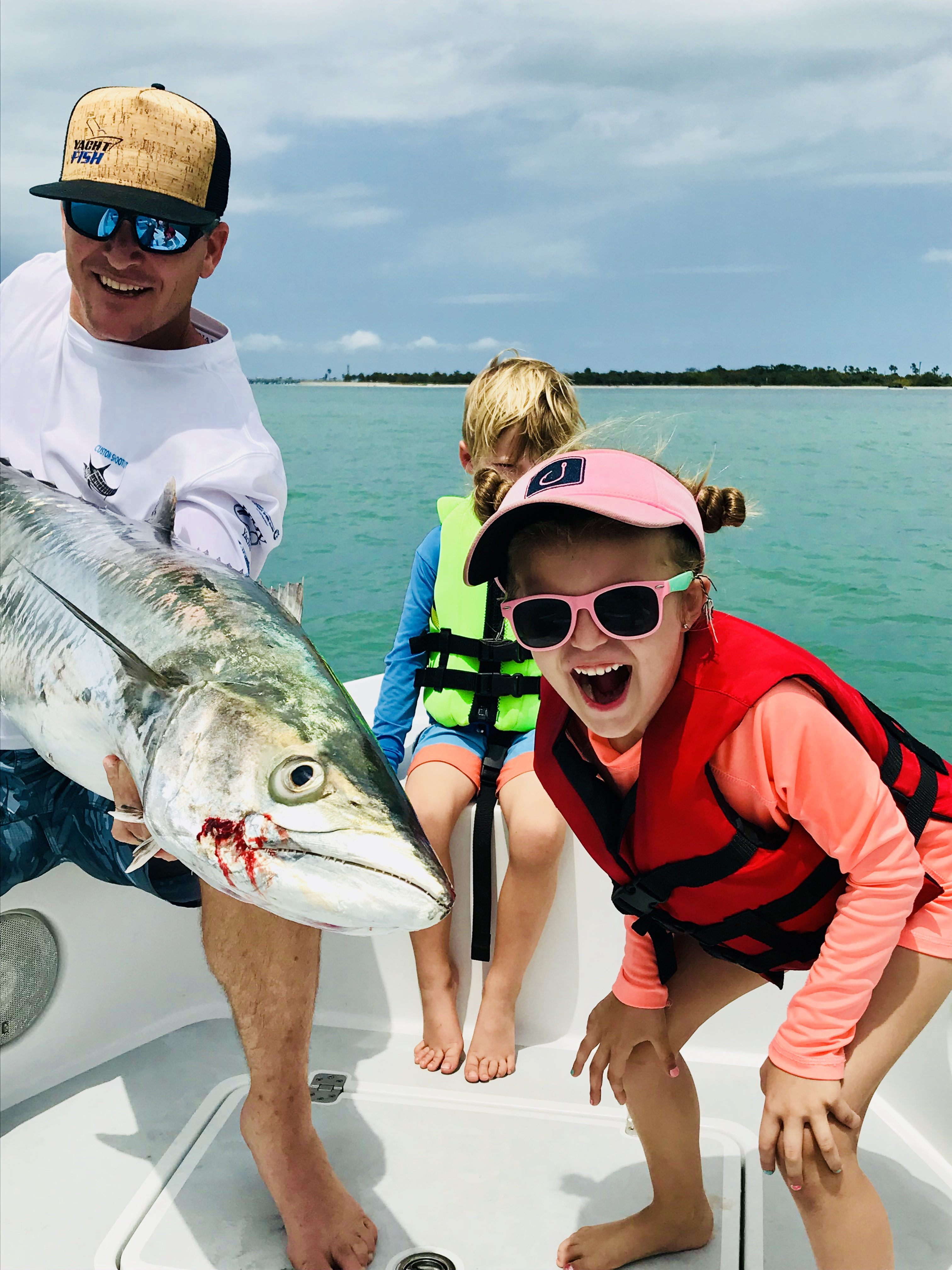Saint petersburg fishing charters with yachtfish for St petersburg fishing charters